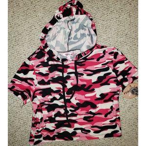 Pink Camo Cropped Hoodied Tee w/ matching leggings